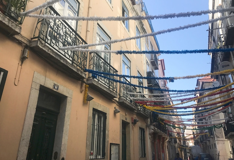 Bairro Alto Yellow by Homing, Lisbon, Front of property