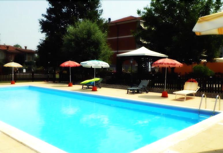 Residence Le Betulle, Cisterna d'Asti, Piscine en plein air