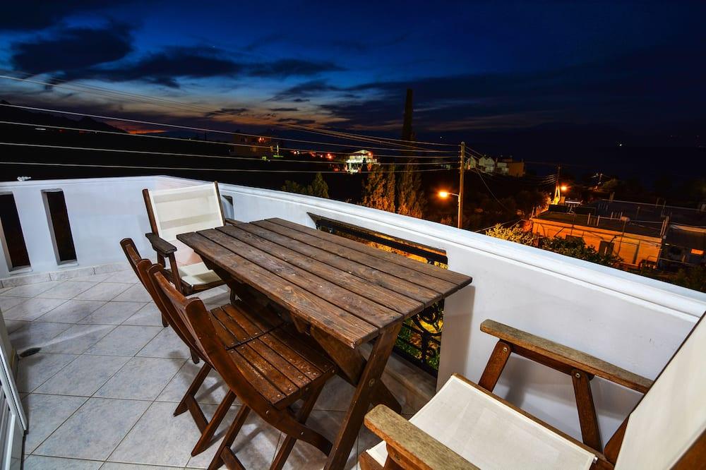 Rodinný apartmán, 1 spálňa, výhľad na zátoku - Balkón
