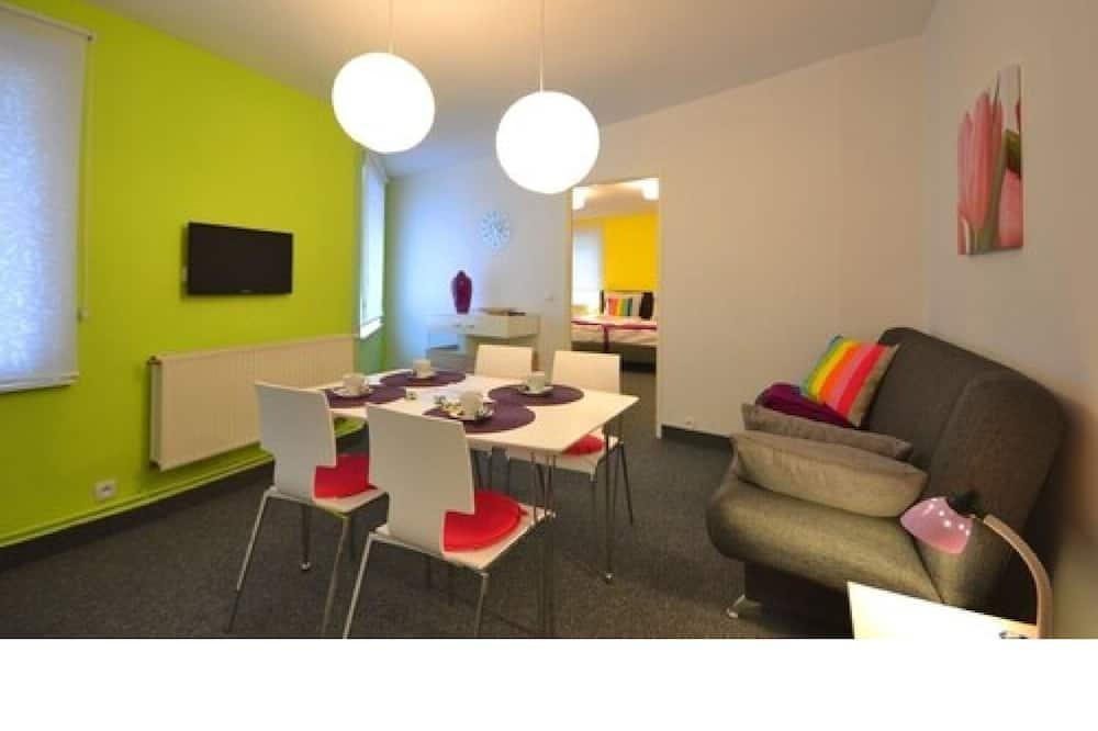 Standard-Studiosuite, 1 Schlafzimmer - Essbereich im Zimmer