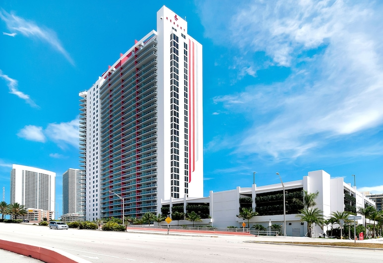 Private Residences at Beachwalk by SoFla Vacations, Hallandale Beach