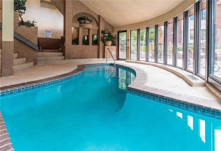 Tl2112 Easy Mtn Living! Very Convenient Location! Winter Specials!, Steamboat Springs, Condo, 1 King Bed with Sofa bed (2112 Timberline Lodge, Trappeur's Cro), Pool