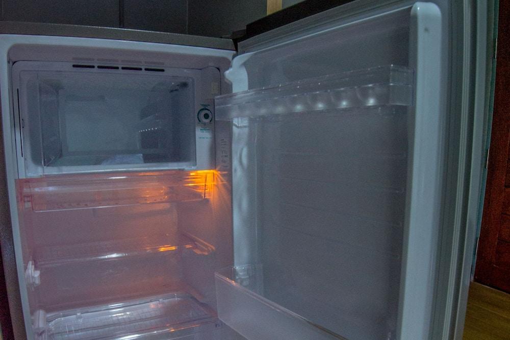 Standard Room, 1 Queen Bed, Non Smoking, Garden View - Mini Refrigerator