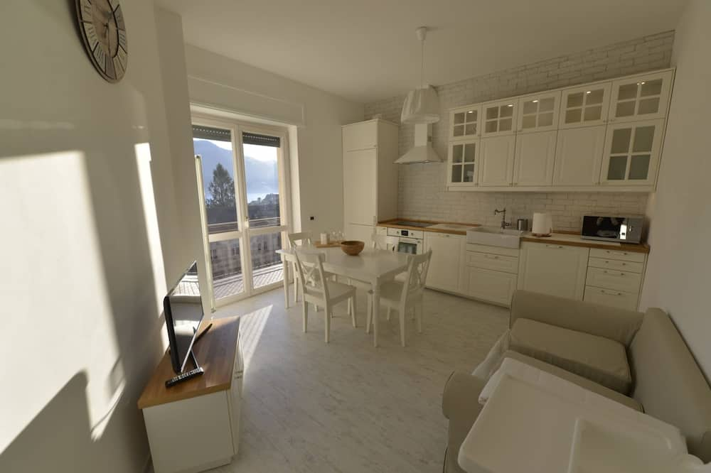 アパートメント 2 ベッドルーム レイクビュー - リビング エリア