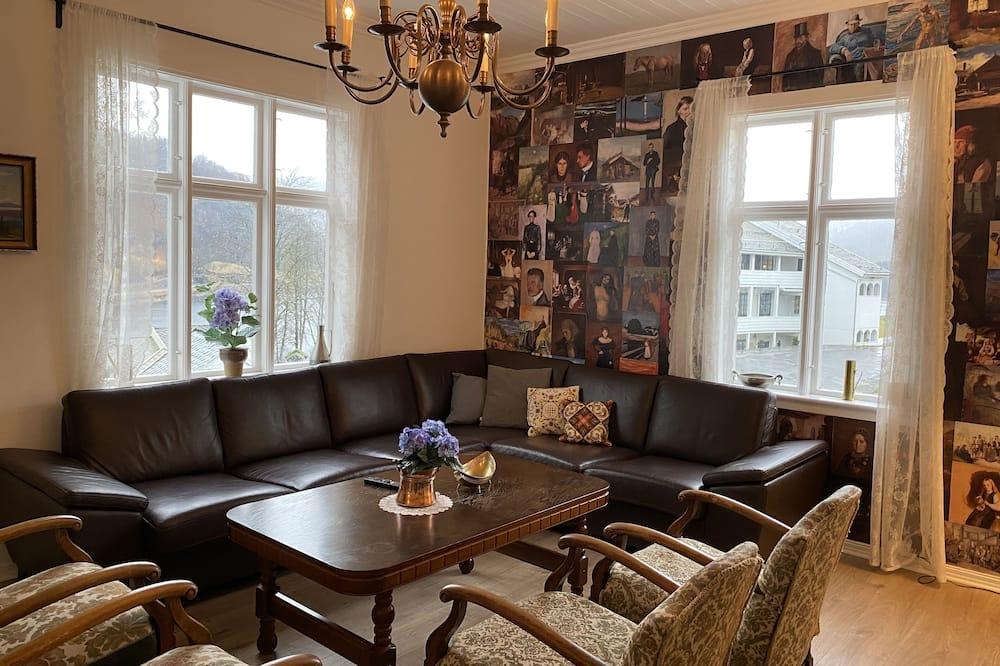 Villa, 5Schlafzimmer, Seeblick - Wohnbereich
