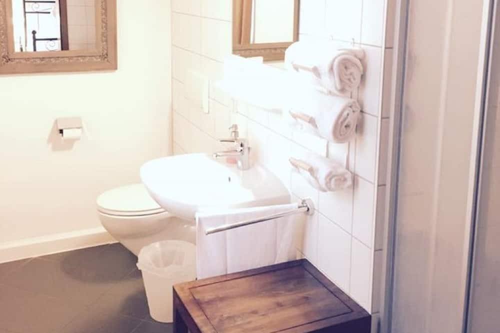 Standard külaliskorter, omaette vannitoaga - Vannituba
