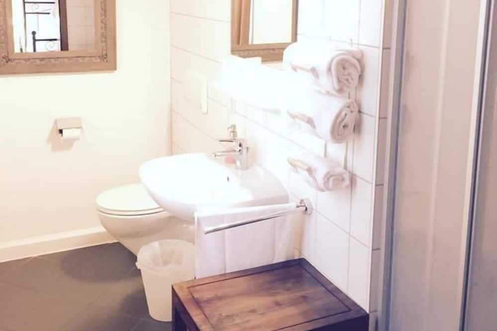 Standardní apartmán, soukromá koupelna - Koupelna