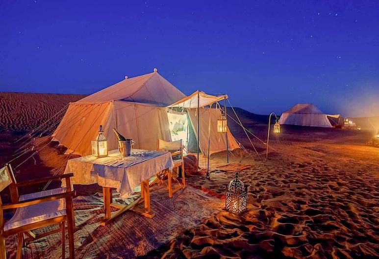 Le Sand Luxury Camp Chegaga, M'Hamid El Ghizlane, Deluxe-telttamajoitus, Oma kylpyhuone, Vierashuone