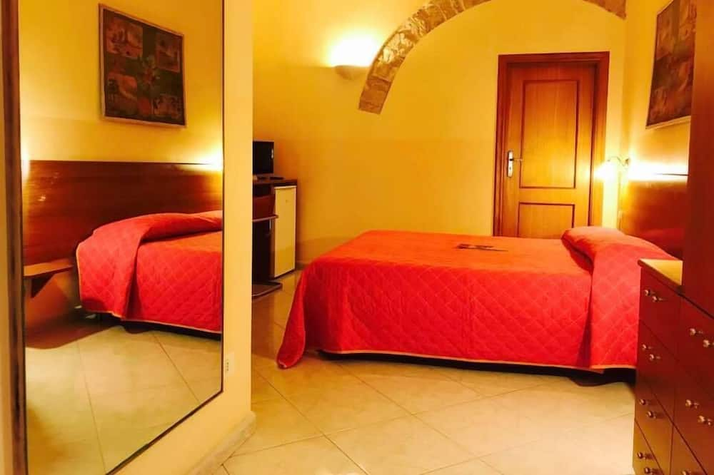 Basic Double or Twin Room, 1 Bedroom, City View - Guest Room