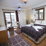 Design Shared Dormitory, Mixed Dorm, Private Bathroom, Garden View - Guest Room