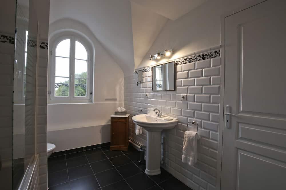 家庭套房, 2 間臥室, 部分海景 (Fleurie) - 浴室