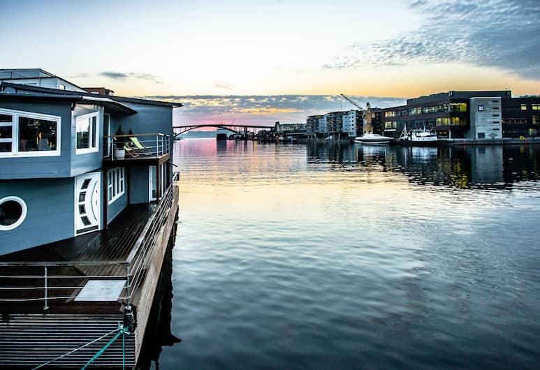 Floating House Bergen, Bergen