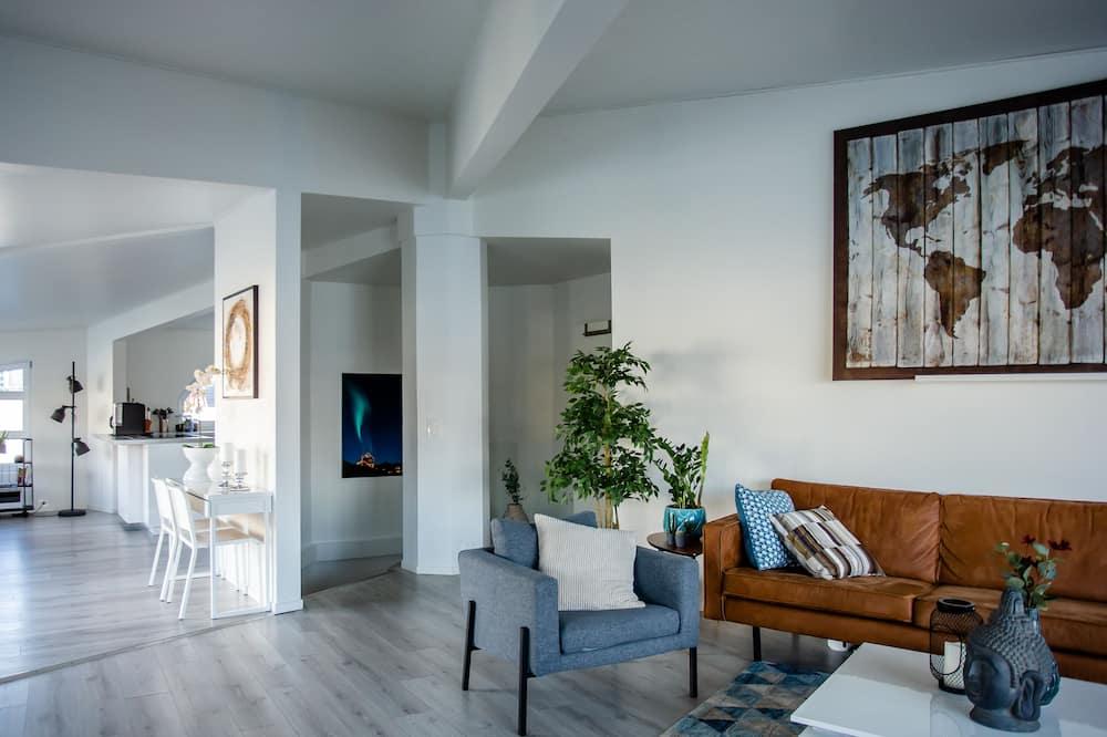 Luxury-huvila, 6 makuuhuonetta, Vuoristonäköala, Veden päällä - Olohuone