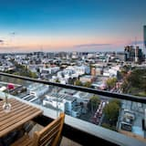 2 Bedrooms, 2 Bathrooms Superior Apartment with Balcony (Pool Access) - Balcony