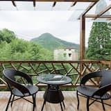 Deluxe Double Room with Bathtub - Terrace/Patio