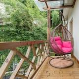 Family Room with Balcony - Balcony