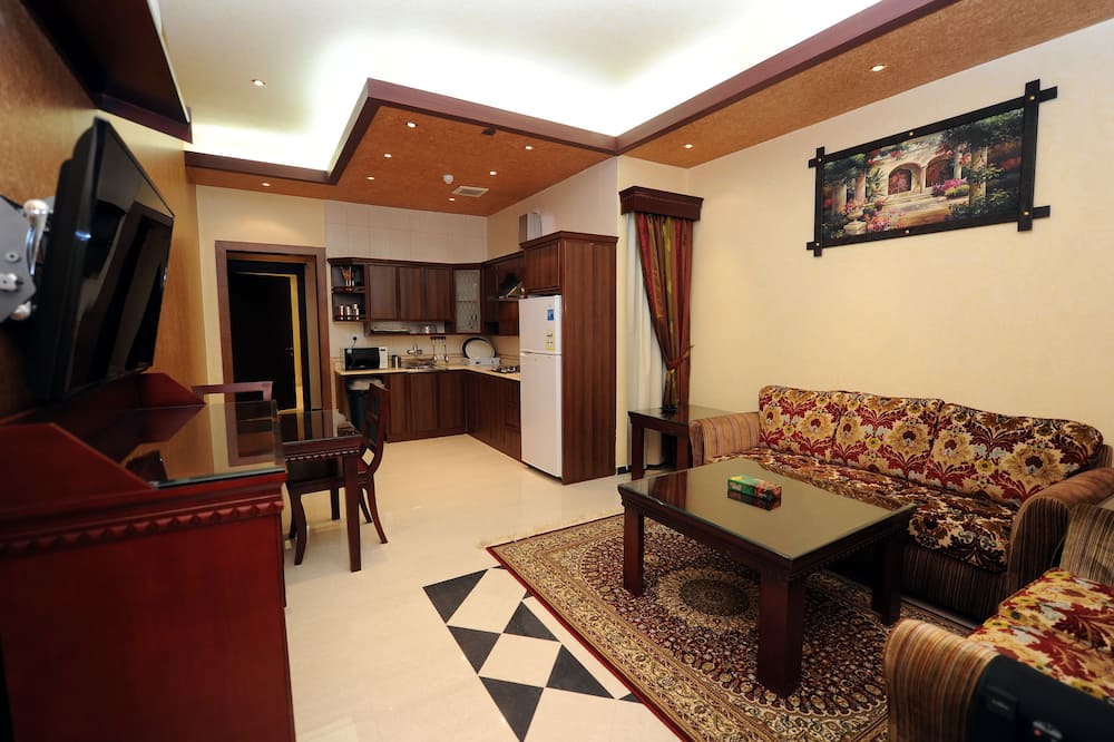 Apartment, 1 Double Bed - Living Area