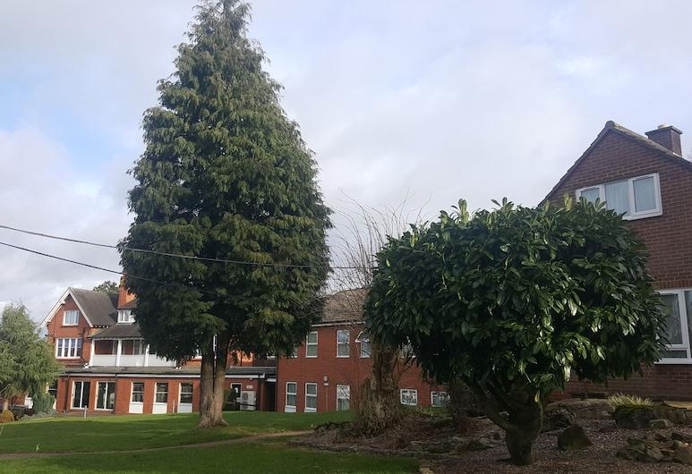The Beeches, Birmingham, Garden