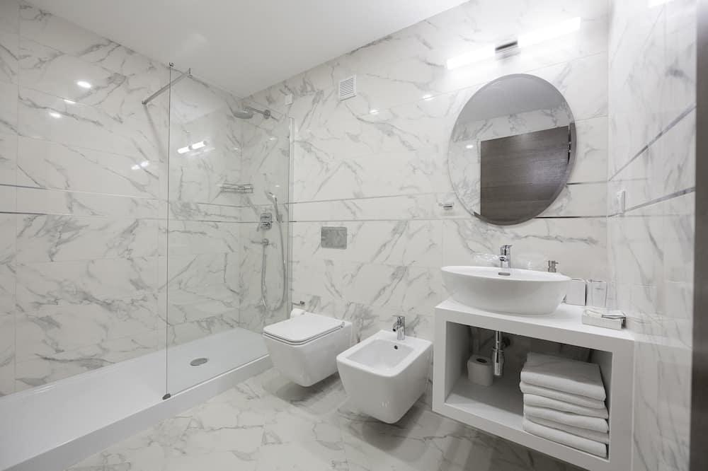 Habitación doble Deluxe, vista a la ciudad - Baño