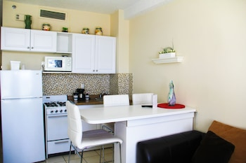 Picture of Hbr576-large Studio, Steps From the Ocean in Hollywood
