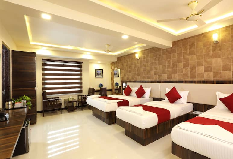Hotel Kochi Caprice, Kochi, Family Quadruple Room, 1 Bedroom, Private Bathroom, Guest Room View