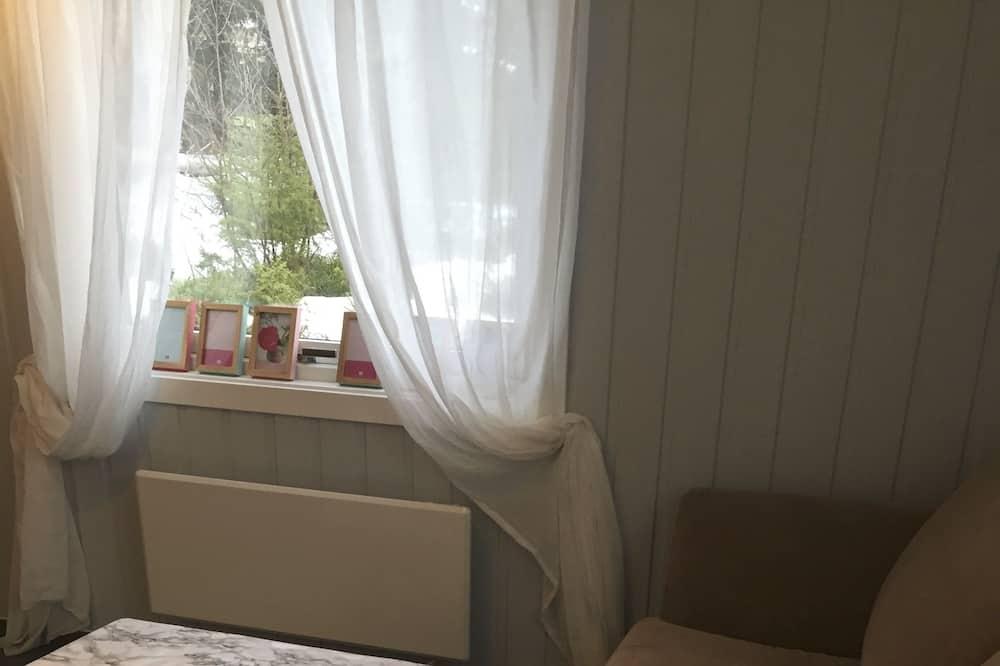 Familie huisje, 1 slaapkamer, uitzicht op bergen - Woonruimte