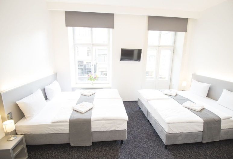 Narodni Stay, Praha, Keturvietis kambarys, balkonas, Svečių kambarys