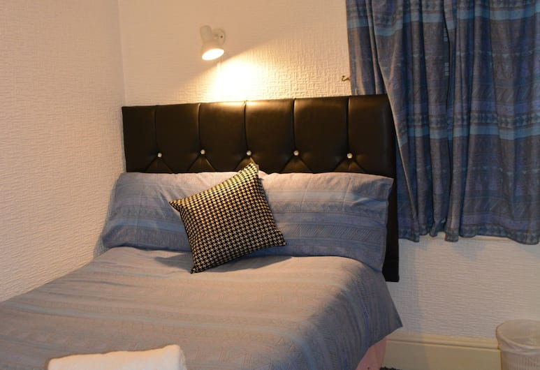 The Woodland Hotel, Blackpool, Comfort Double Room, 1 Double Bed, Ensuite (Room 9), Guest Room