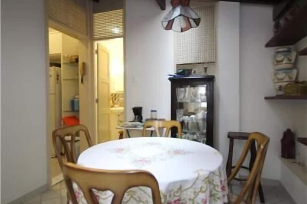 標準公寓, 2 間臥室 - 客房餐飲服務