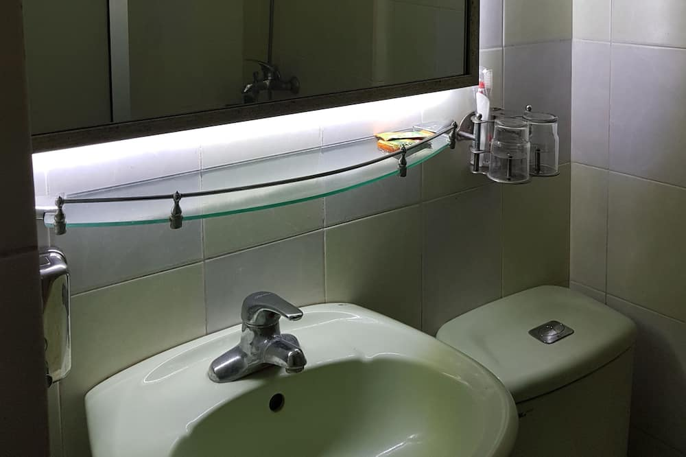Panoramic Double or Twin Room - Bathroom