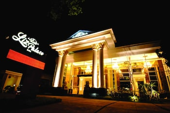 Picture of Liz Palace Inn in Bandung
