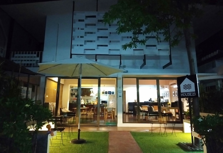 House23 Guesthouse - Hostel, Bangkok, Hotel Front – Evening/Night