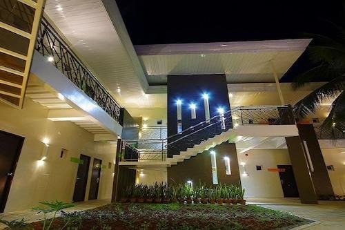 Yhotel/
