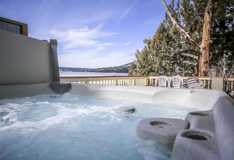 Alpine Lakefront, Danau Big Bear , Bathtub Spa Luar Ruangan