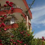 Otelin ön cephesi