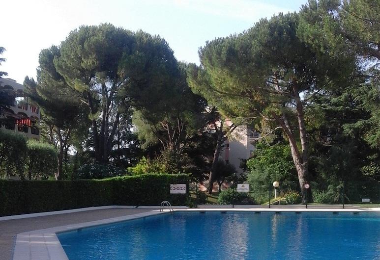 里維雷耶 3 號住宅酒店, 曼德琉拉那波樂, 室外泳池