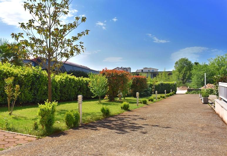 里賈納世界飯店, 莫主格耶, 花園