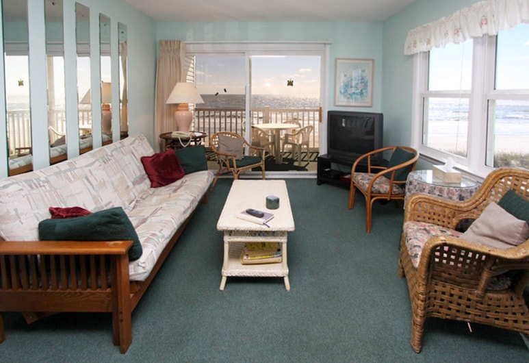 Nautical Watch by Elliott Beach Rentals, North Myrtle Beach, Condo, 2 Bedrooms, Oceanfront, Living Area