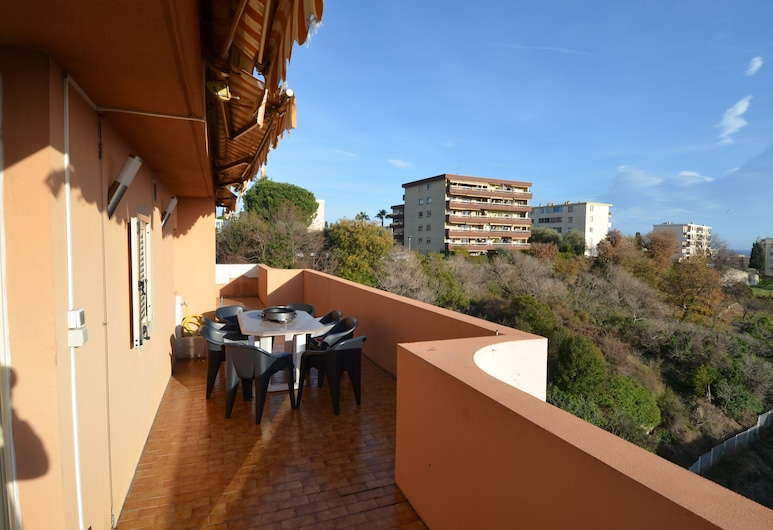 Modern apartment 8 persons with open view on terrace Nice Airport district, Nice, Apartamento, Varanda