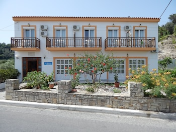 Enter your dates to get the Samos hotel deal