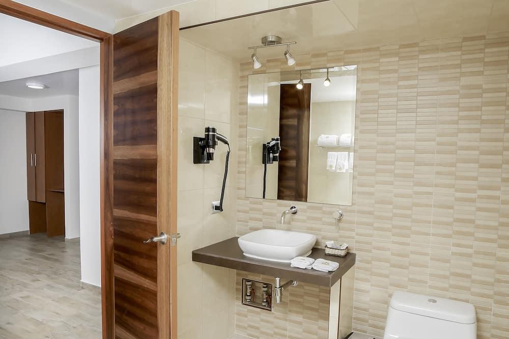 Presidential Suite, 1 King Bed - Bathroom