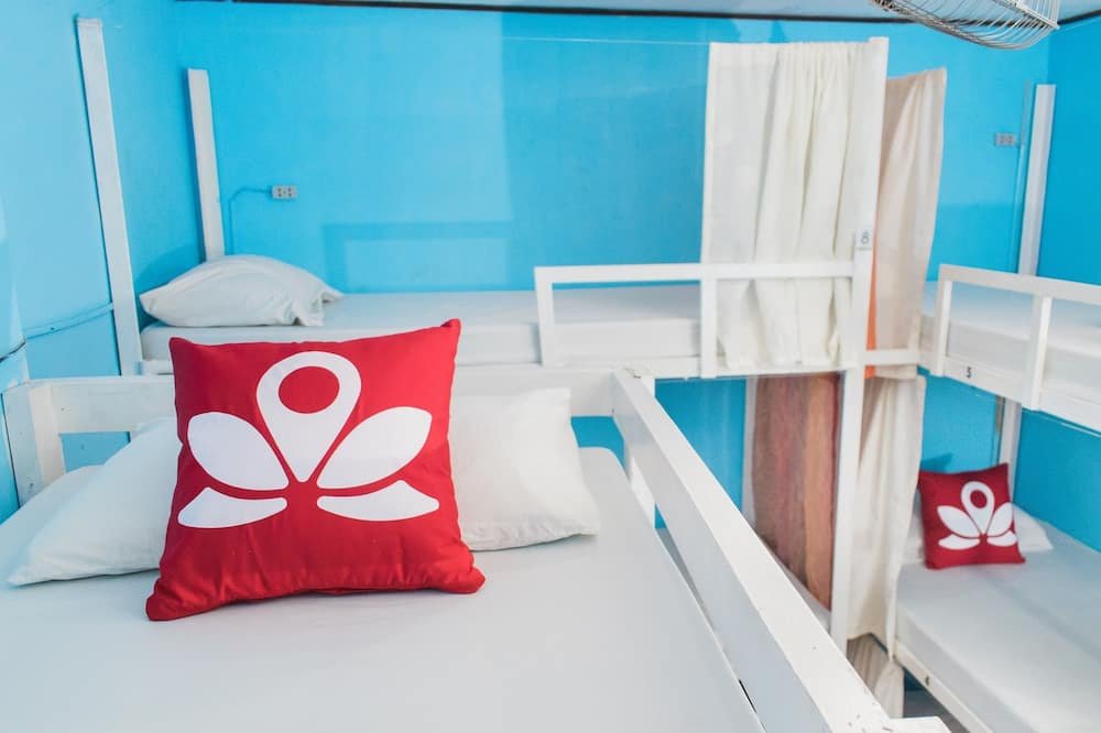 Single Bed in 9 - Bed Mixed Dorm with Shared Bathroom - Guest Room