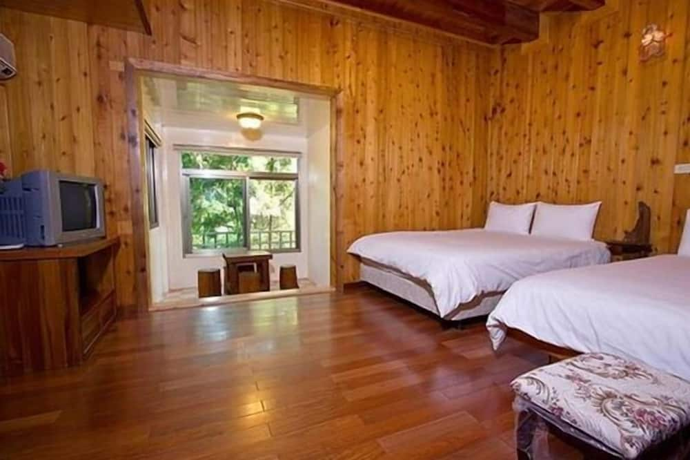 Standard Quadruple Room, 2 Double Beds - Guest Room