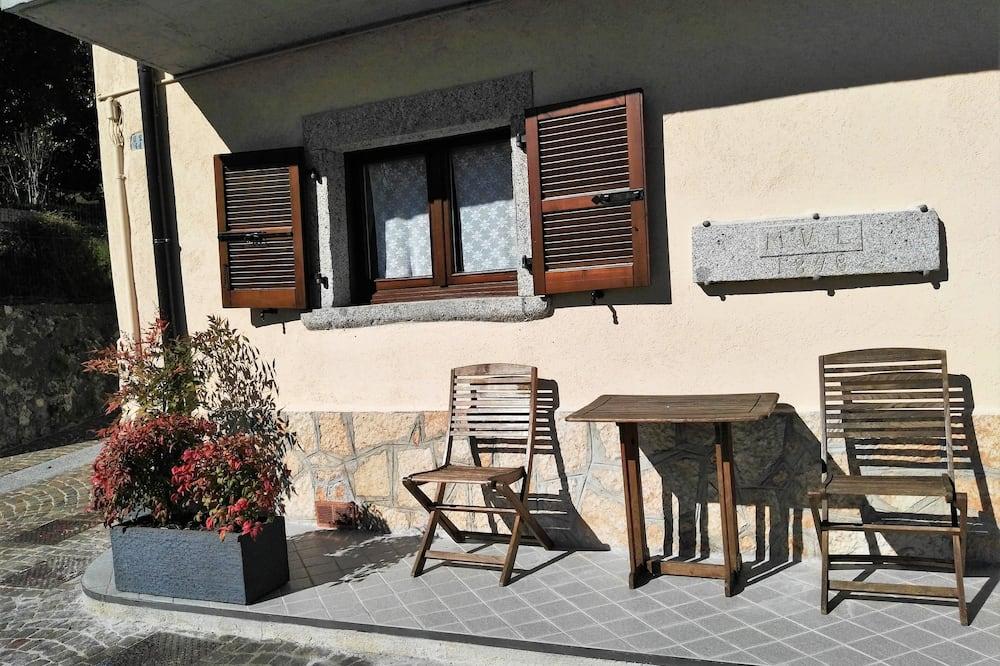Διαμέρισμα, 2 Υπνοδωμάτια, Ισόγειο - Μπαλκόνι