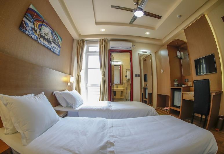 Three Inn, Hulhumalé, Camera Deluxe con letto matrimoniale o 2 letti singoli, vista città, Camera