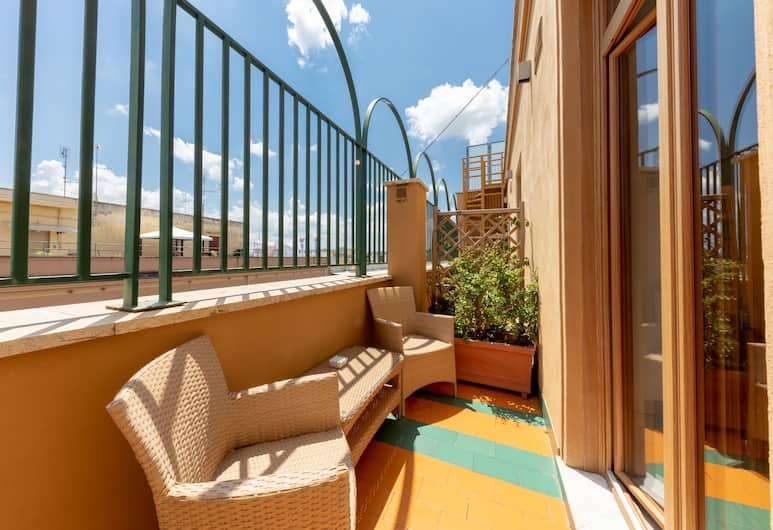 Blue Inn Luxury Suites, Rome, Double Room, Balcony, Guest Room