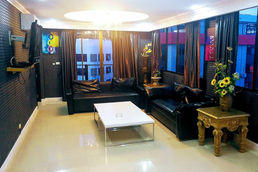 Panoramic Apartment, 2 Bedrooms, Kitchenette - Living Room