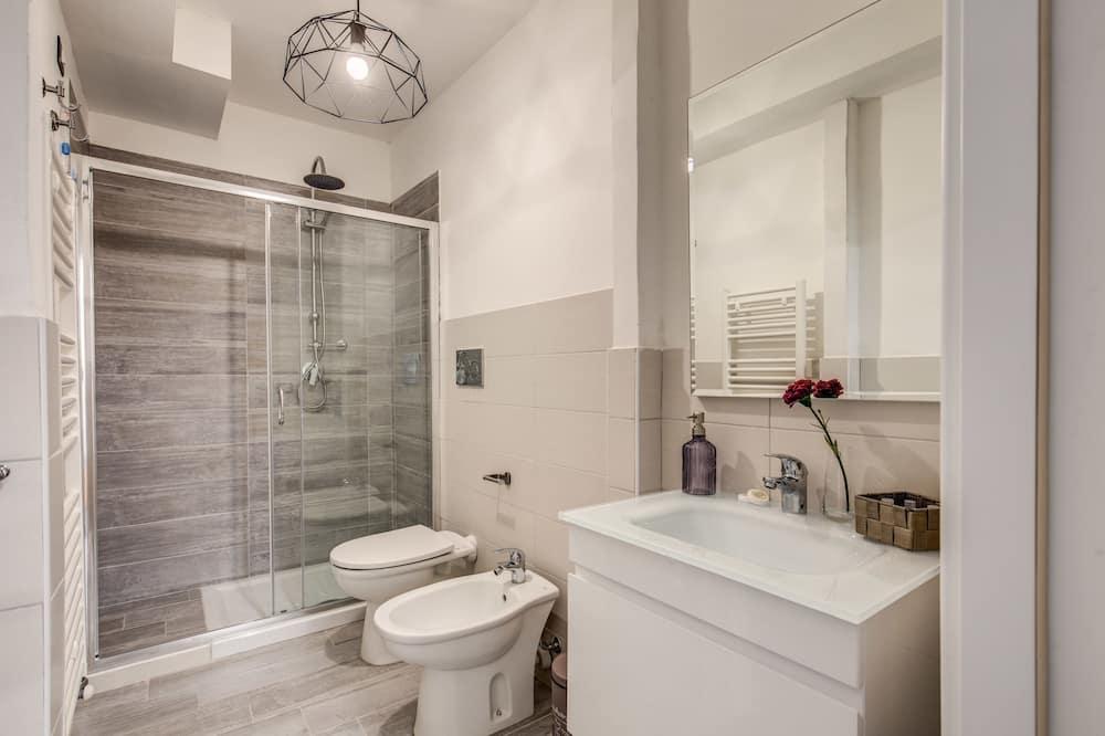 Dvoulůžkový pokoj, společná koupelna - Koupelna