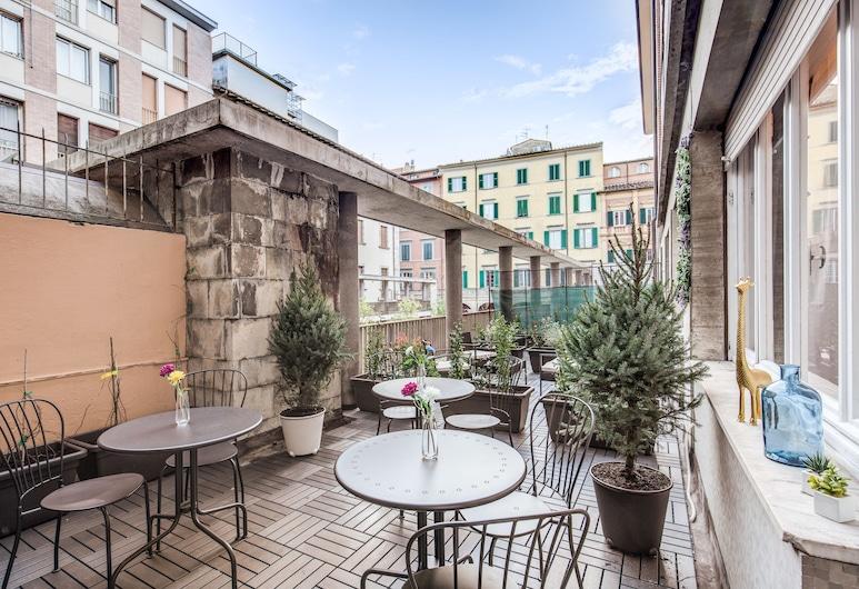 AwesHome - Hanging Gardens, Pisa, Terrace/Patio