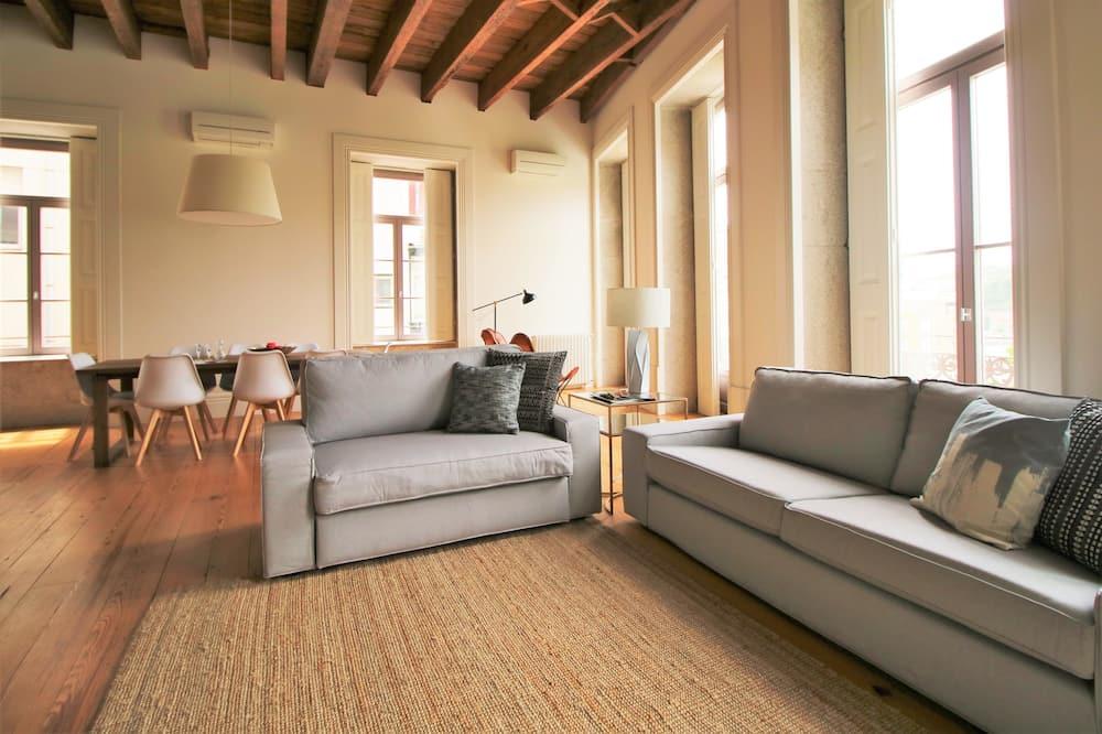 Departamento superior, 3 habitaciones (Rua Mouzinho da Silveira, 18) - Sala de estar